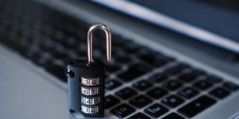 Как защитить клиентскую базу